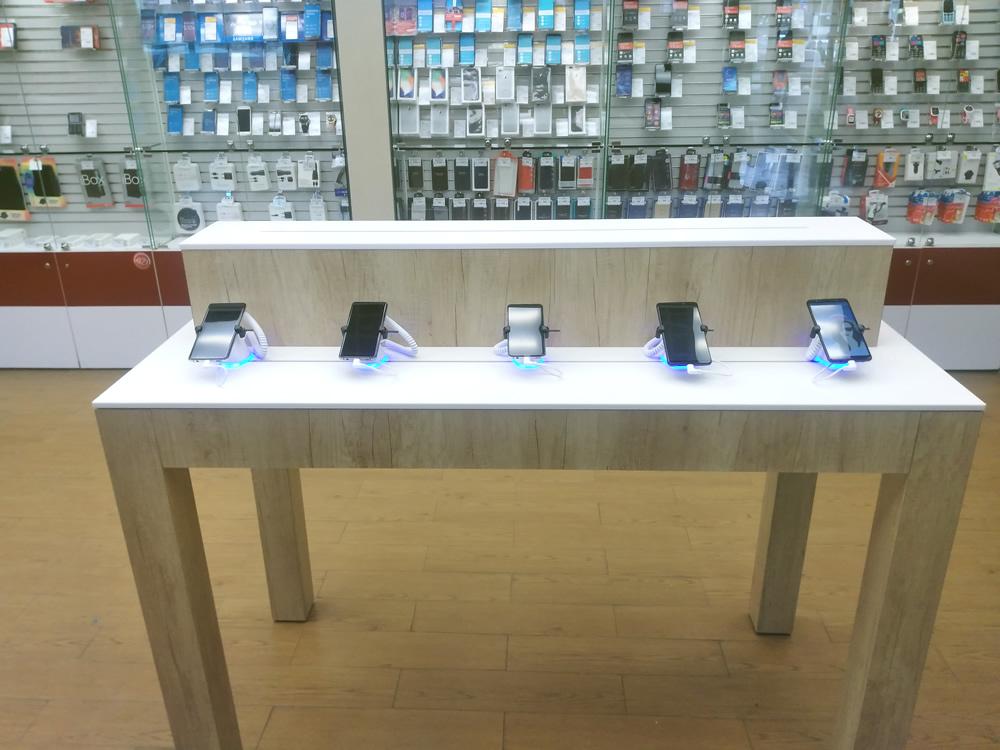 Защита мобильных телефонов в салонах МТС